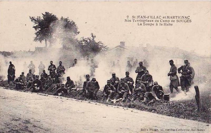Carte postale ancienne Camp de Souges - La soupe à