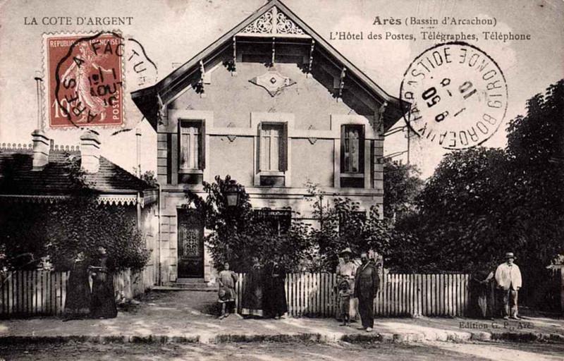 Carte postale ancienne Arès - La Poste 1 à