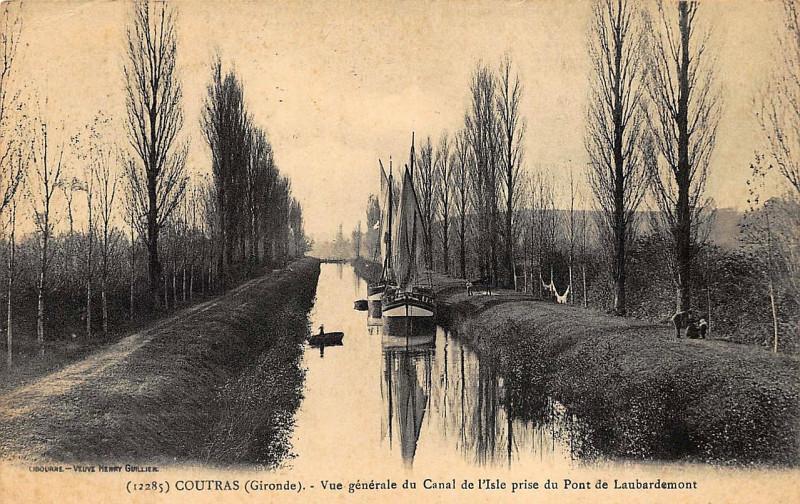 Carte postale ancienne Coutras - Canal de l'Isle 1b à
