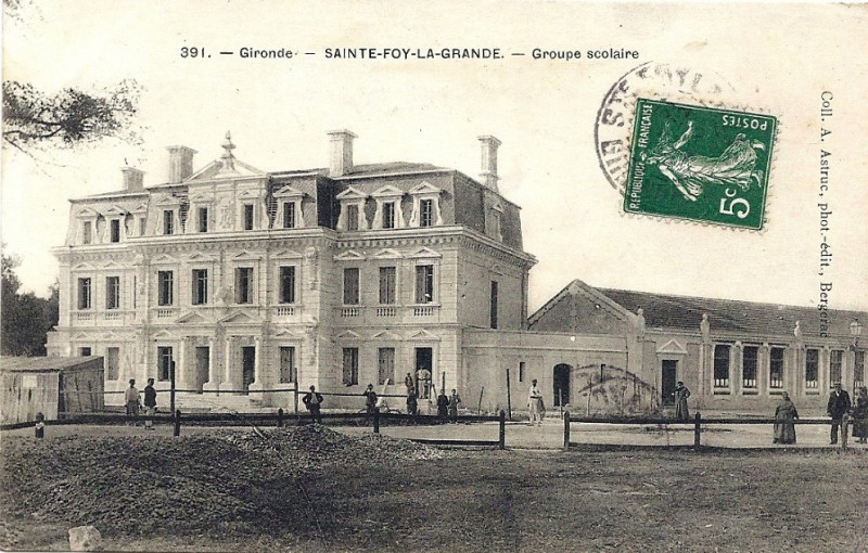 Carte postale ancienne Sainte-Foy-la-Grande - Ecoles 3 à