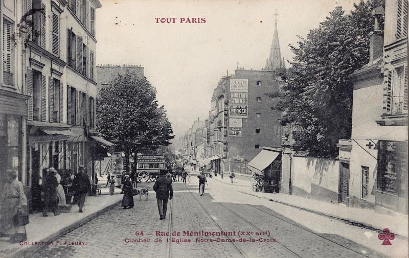 Carte postale ancienne Rue de Ménilmontant - Clocher de l'Eglise Notre-Dame-de-la-Croix à Paris 20e