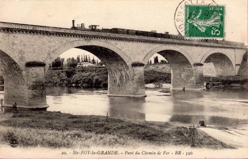 Carte postale ancienne Sainte-Foy-la-Grande - pont du chemin-de-fer à
