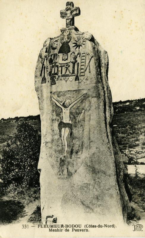 Carte postale ancienne Pleumeur-Bodou - Menhir de Penvern à Pleumeur-Bodou