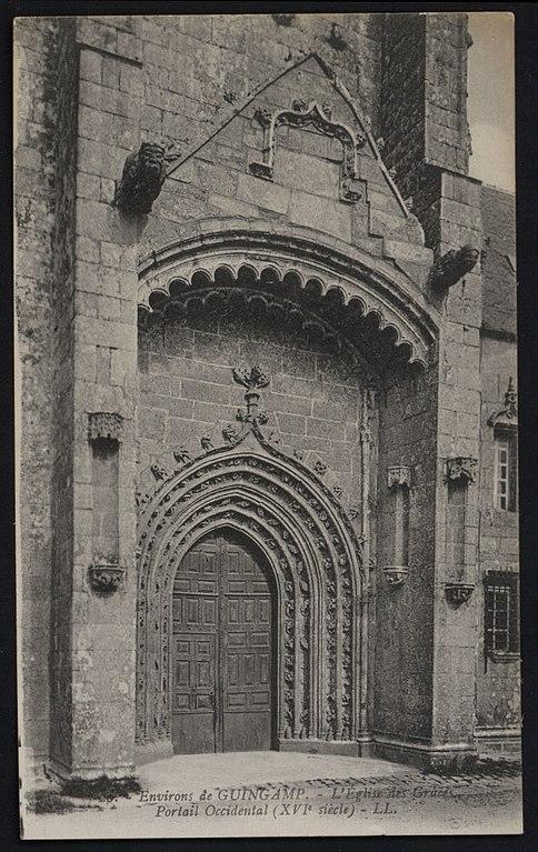 Carte postale ancienne Grâces - Eglise portail occidental à Grâces