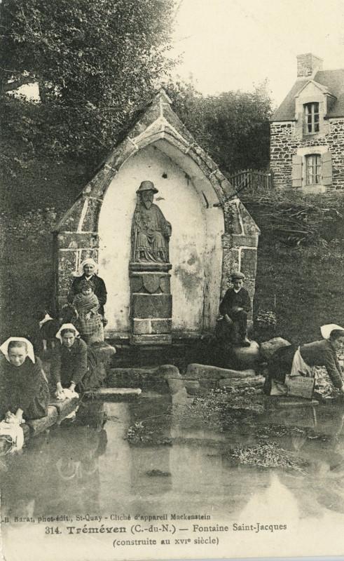 Carte postale ancienne Tréméven - Fontaine Saint-Jacques du XVIe siècle à Tréméven