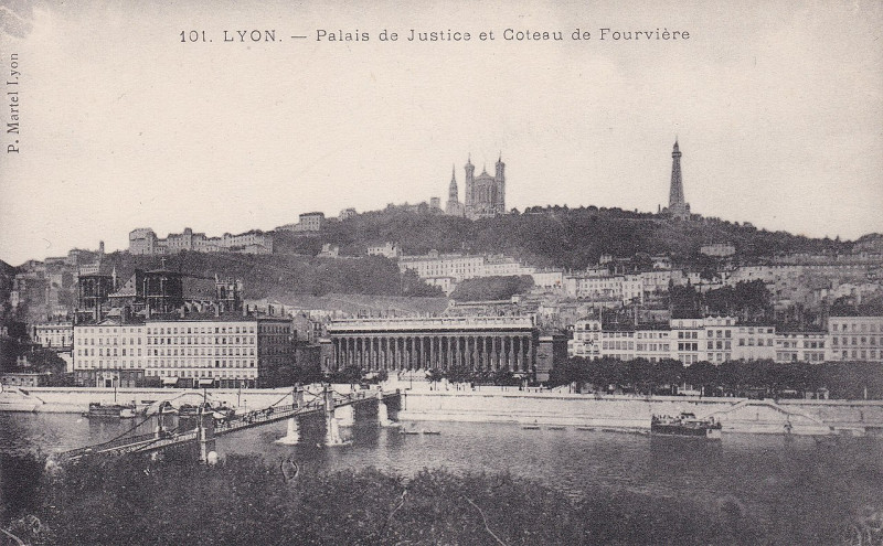 Carte postale ancienne Palais de Justice et Coteau de Fourvière à Lyon 2e Arrondissement