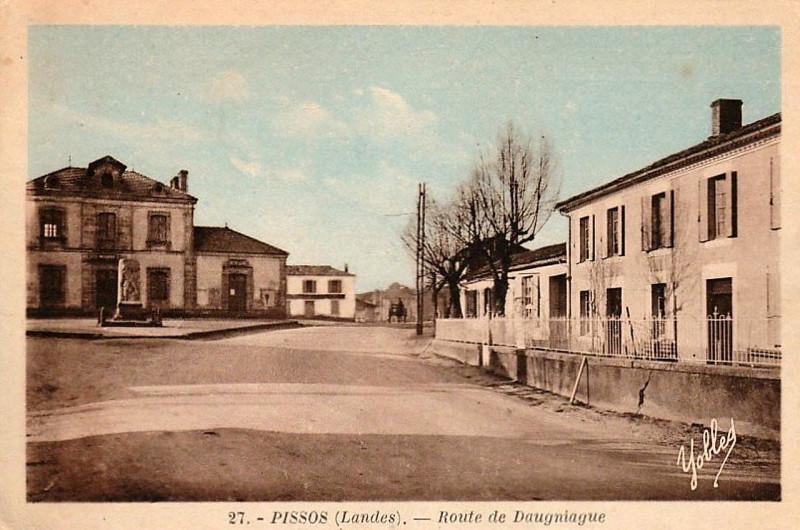 Carte postale ancienne Pissos (Landes) - route de Daugniague