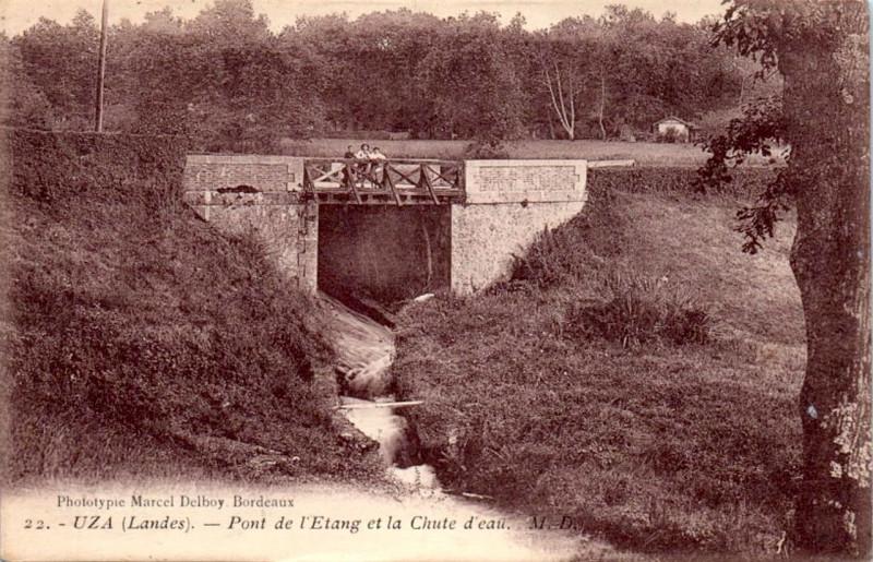 Carte postale ancienne Uza (Landes) - pont de la route 2 à