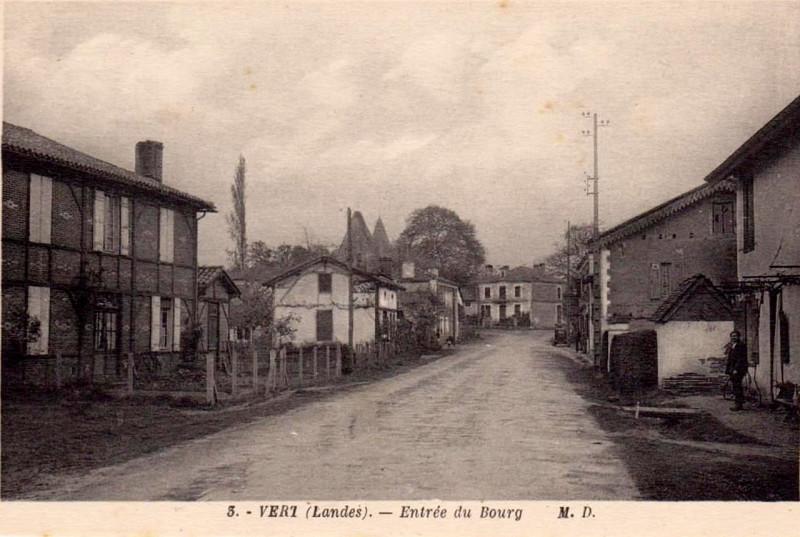 Carte postale ancienne Vert (Landes) - entrée du bourg à