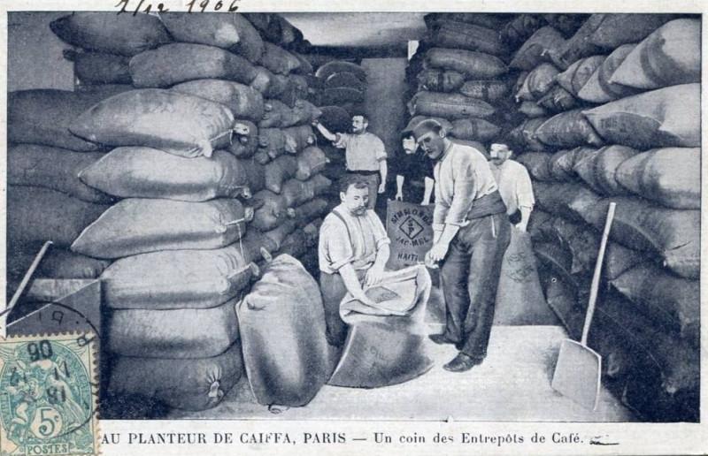 Carte postale ancienne Entrepôt du Planteur de Caïffa 1905