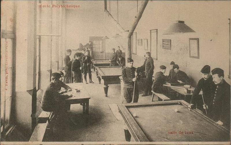 Carte postale ancienne Paris, Ecole polytechnique, La Salle de Jeux (J David, 1904)