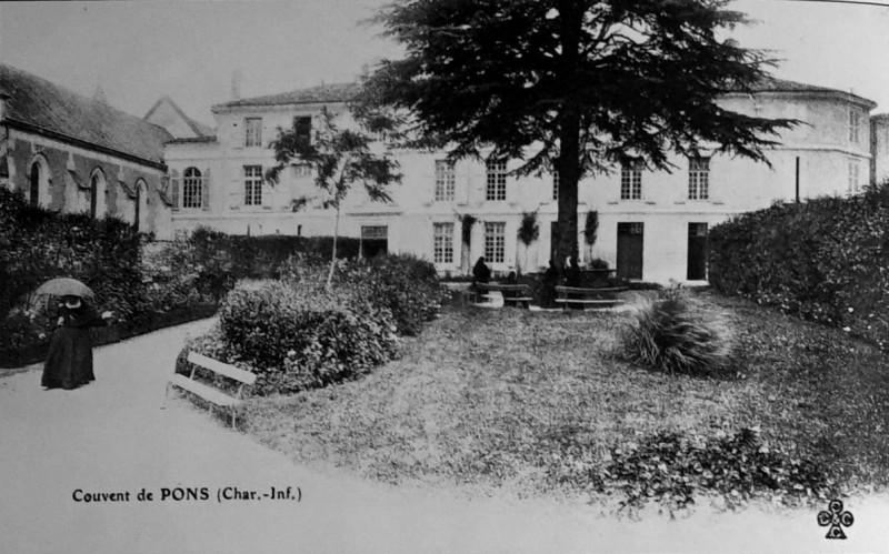 Carte postale ancienne PonS Couvent des ursulines 1003978