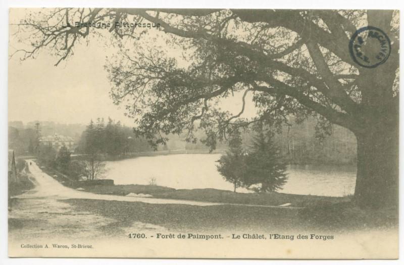 Carte postale ancienne 4278. Forêt de Paimpont (I.-et-V.) - Le Pas-du-Houx, chaussée de l'Etang (au fond le Château) à