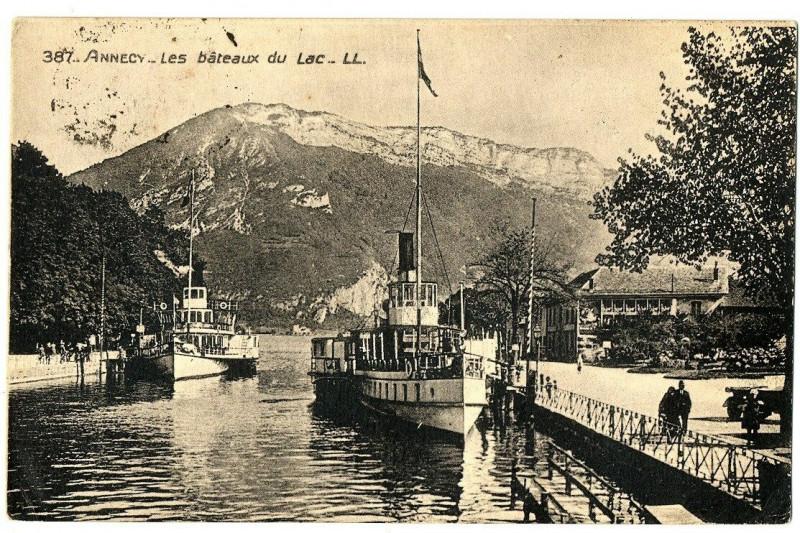 Carte postale ancienne Haute-Savoie Annecy Les Bateaux du Lac animé à Annecy