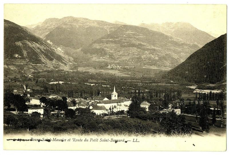Carte postale ancienne Savoie Bourg-Saint-Maurice et Route du Petit Saint-Bernard à Bourg-Saint-Maurice