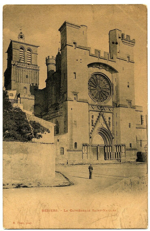 Carte postale ancienne Herault Béziers La Cathédrale Saint-Nazaire animé à Béziers