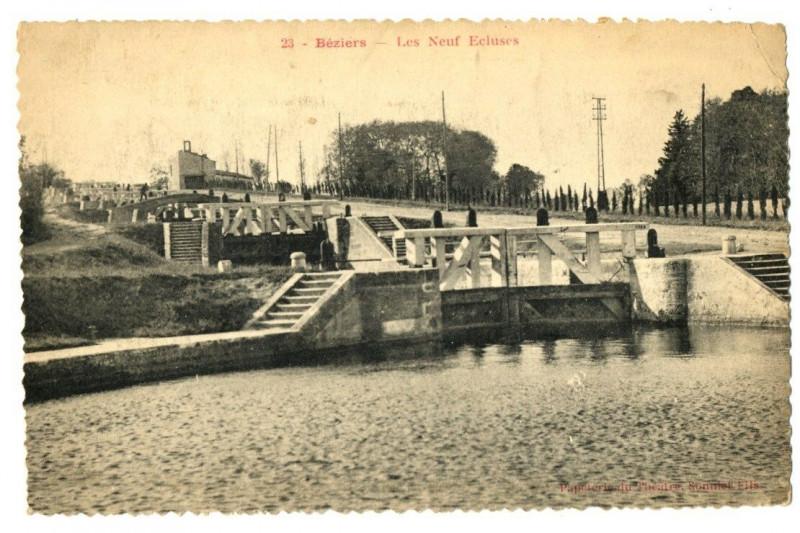 Carte postale ancienne Herault Béziers Neufs Ecluses à Béziers