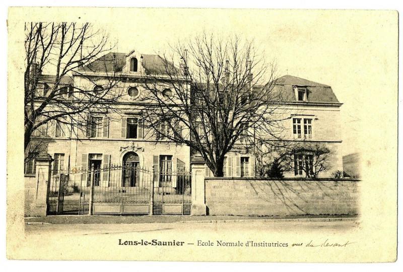 Carte postale ancienne Jura Lons-le-Saunier Ecole Normale d'Institutrices à Lons-le-Saunier