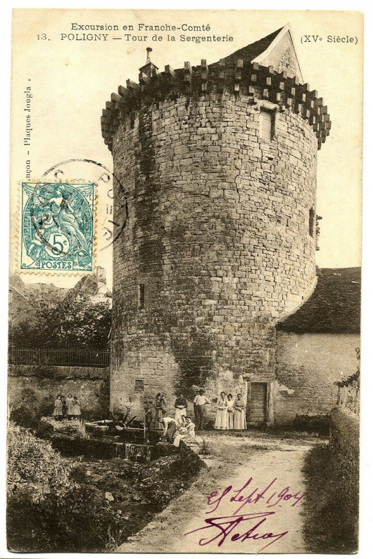 Carte postale ancienne Jura Poligny Tour de la Sergenterie animé à Poligny