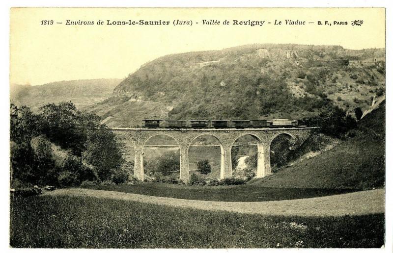 Carte postale ancienne Jura Lons-le-Saunier Vallée de Revigny Le Viaduc à Lons-le-Saunier