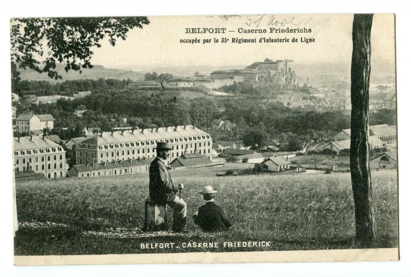 Carte postale ancienne Territoire-de-Belfort Belfort Caserne Friedérichs animé à Belfort
