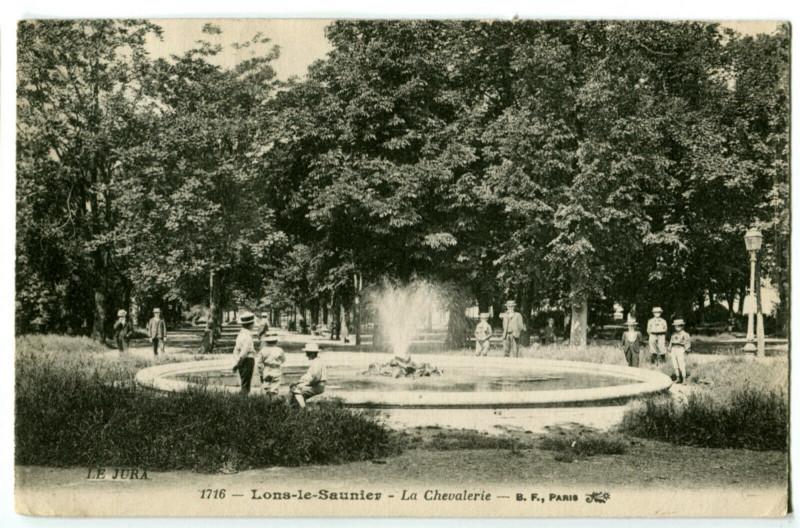 Carte postale ancienne Jura Lons-le-Saunier La Chevalerie animé à Lons-le-Saunier