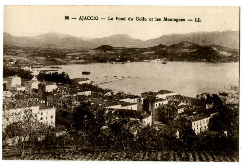 Carte postale ancienne Corse Ajaccio Le Fond du Golfe et les Montagnes à Ajaccio