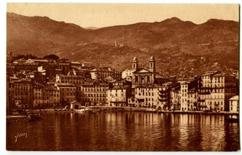 Carte postale ancienne Corse Bastia Le Fond du vieux Port à Bastia