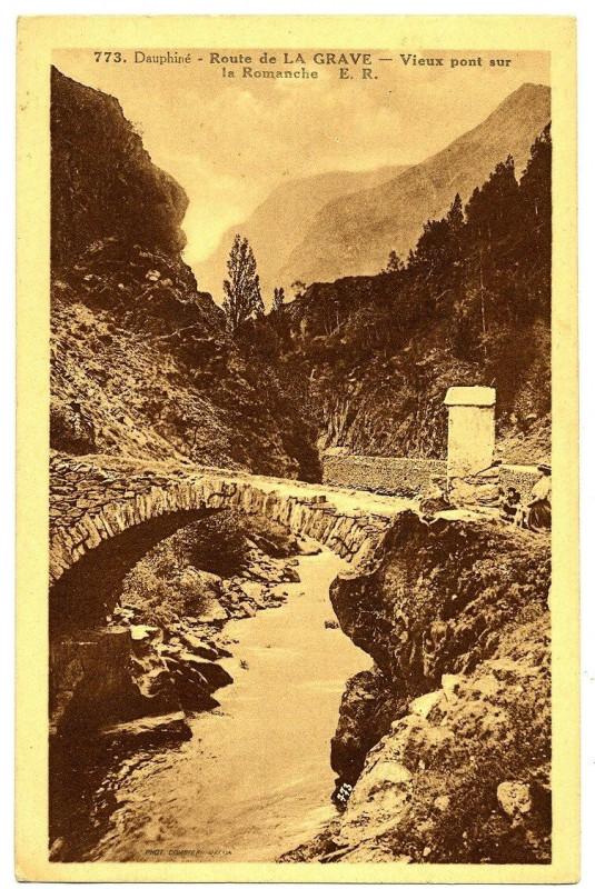 Carte postale ancienne Isère Route de la Grave Vieux Pont sur la Romanche carte publicitaire