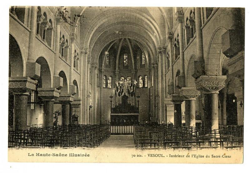 Carte postale ancienne Haute-Saone Vesoul intérieur de l'Eglise du Sacré-Coeur à Vesoul