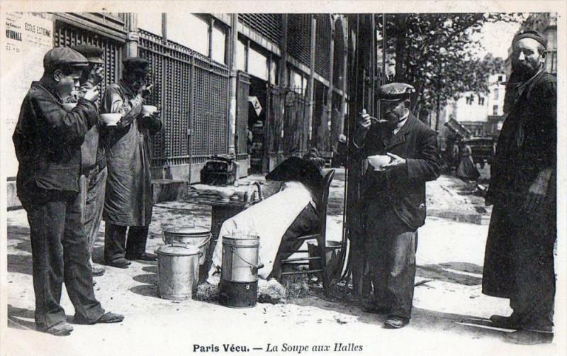 Carte postale ancienne Paris Vecu La Soupe Aux Halles  (dos non divisé)  Cpa Animee à Paris