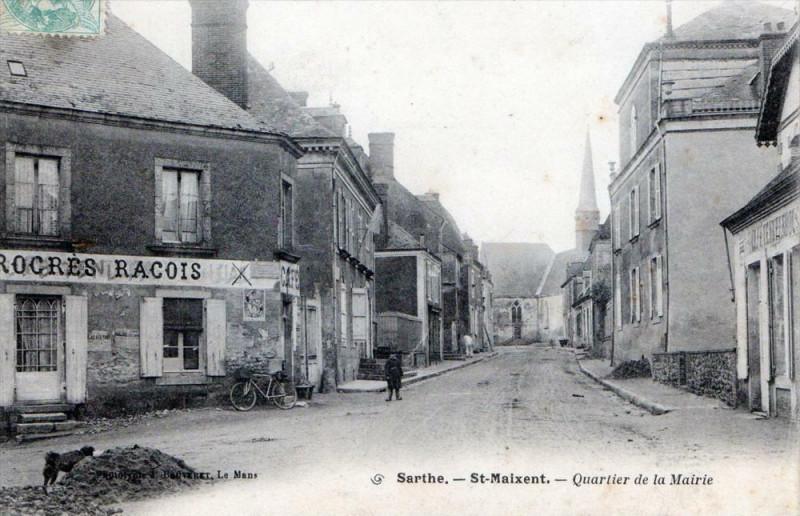 Carte postale ancienne Saint Maixent Quartier De La Mairie à Saint-Maixent