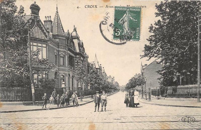 Carte postale ancienne Croix Avenue Des Marronniers (animée à Croix