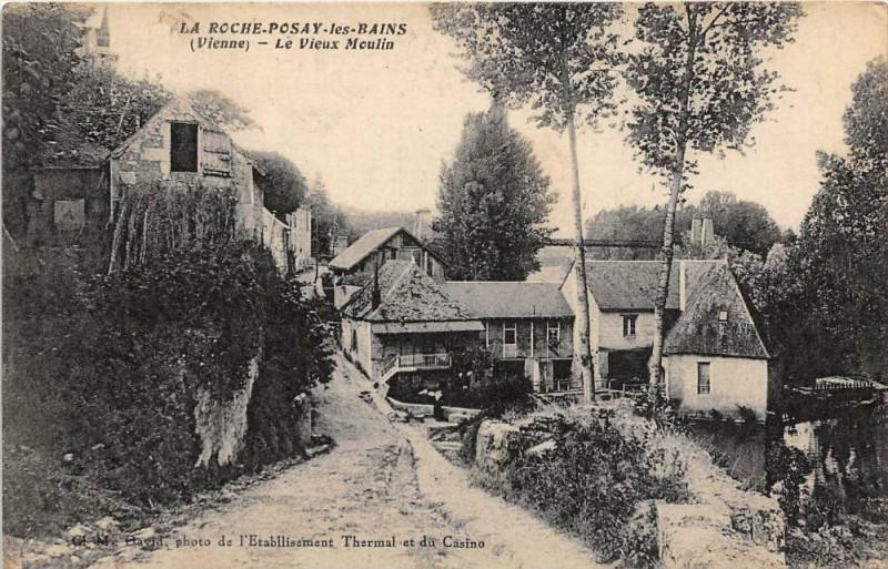 Carte postale ancienne La Roche Posay Le Vieux Moulin à La Roche-Posay