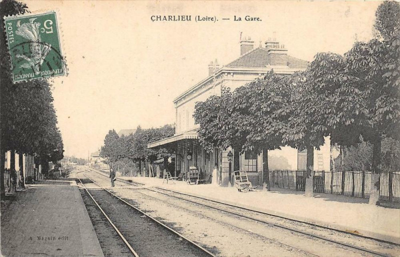 Carte postale ancienne Charlieu La Gare (cliché pas courant à Charlieu
