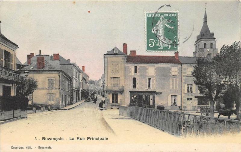 Carte postale ancienne Buzancais La Rue Principale (pas courant à Buzançais