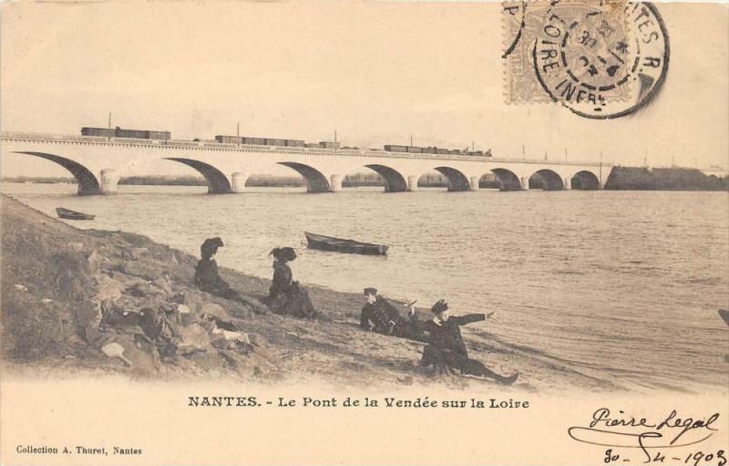 Carte postale ancienne Nantes Le Pont De La Vendee Sur La Loire (dos non divisé à Nantes