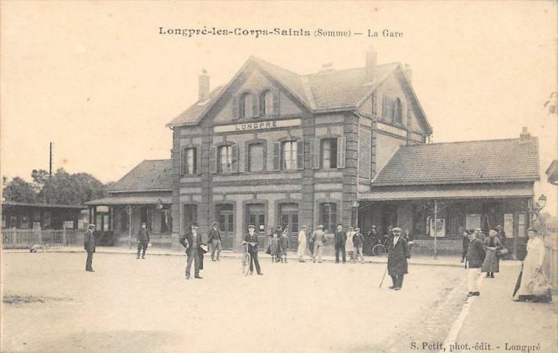 Carte postale ancienne Longpre Les Corps Saints La Gare à Long