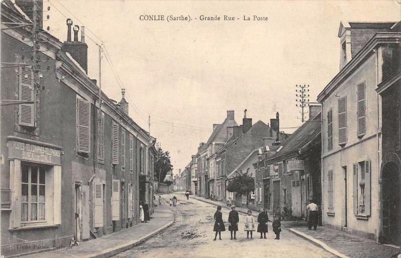 Carte postale ancienne Conlie Grande Rue La Poste à Conlie