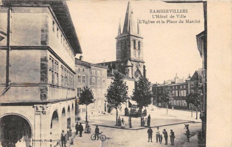 Carte postale ancienne Rambervillers Hotel De Ville Eglise Et Place Du Marche à Rambervillers