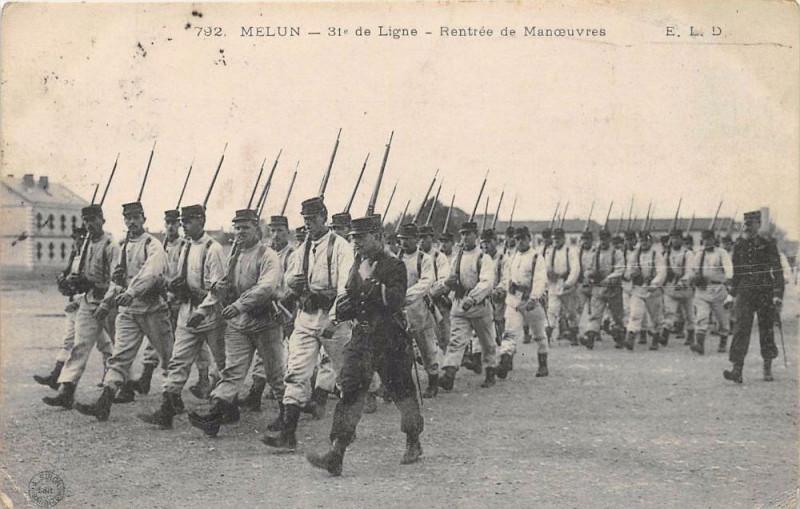 Carte postale ancienne Melun 31e De Ligne Rentree De Manoeuvres à Melun