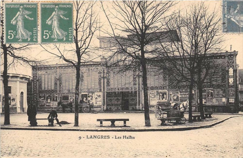 Carte postale ancienne Langres Les Halles (cliché pas courant à Langres