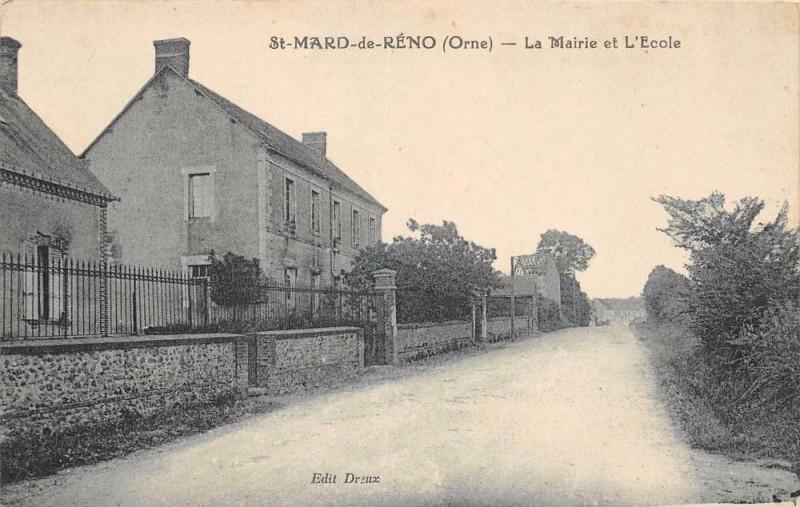 Carte postale ancienne Saint Mard De Reno La Mairie Et L´ECOLE à Ri