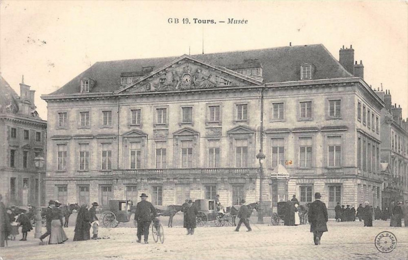 Carte postale ancienne Tours Musee à Tours