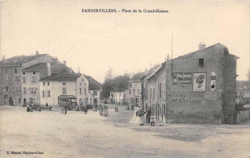 Carte postale ancienne Rambervillers Place De La Grand Maison à Rambervillers