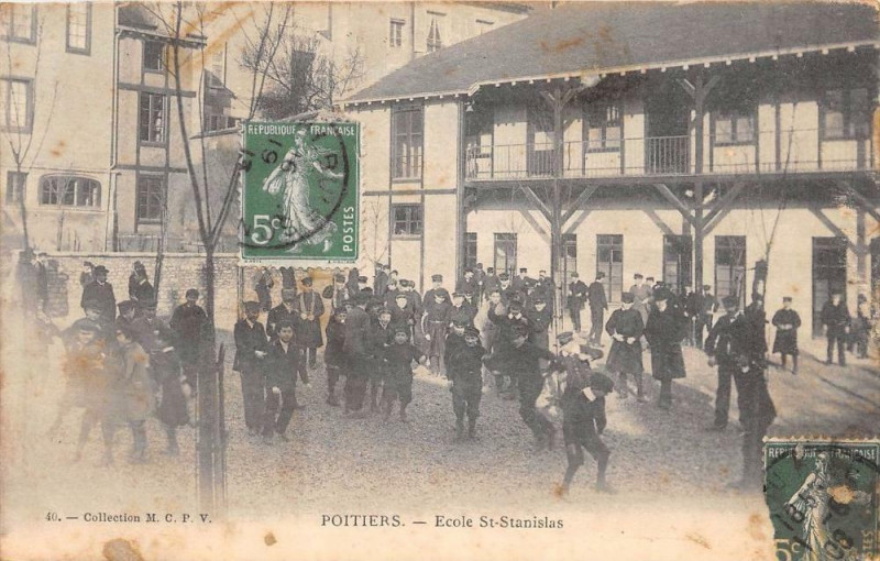 Carte postale ancienne Poitiers Ecole Saint Stanislas (cliché pas courant à Poitiers