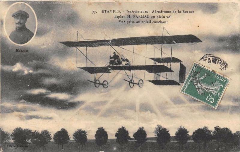 Carte postale ancienne Etampes Nos Aviateurs Aerodrome De La Beauce H.farman Vue Prise Au Soleil à Étampes