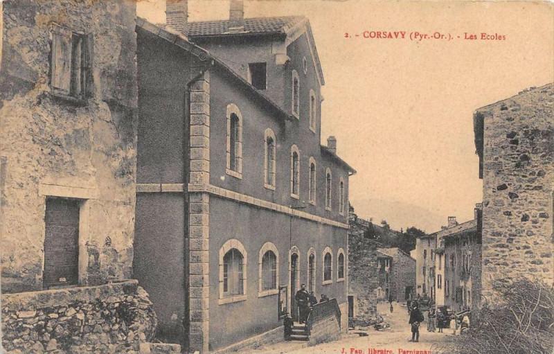 Carte postale ancienne Corsavy Les Ecoles à Corsavy