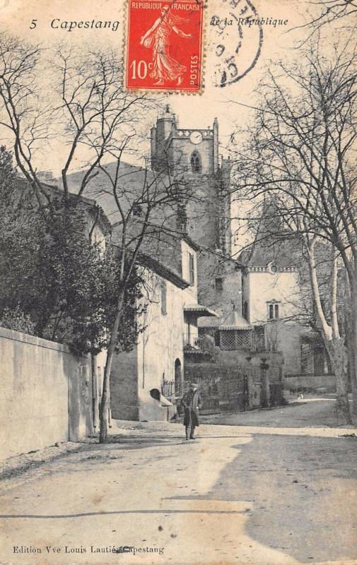 Carte postale ancienne Capestang Rue De La Republique à Capestang