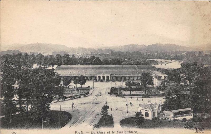 Carte postale ancienne Pau La Gare Et Le Funiculaire à Pau
